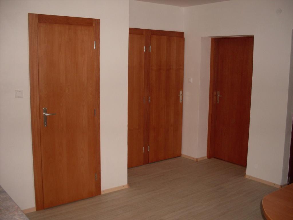 Interiérové dvere, zárubne a obložky